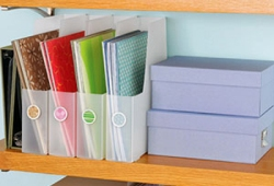 1290371403_tricks-for-craft-storage-on-shelves2[1]