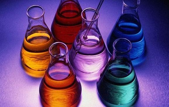 Как сделать светящуюся жидкость из подручных средств в домашних условиях