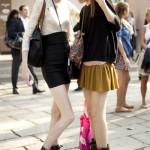 Позы для фотосессии с подругой на улице летом